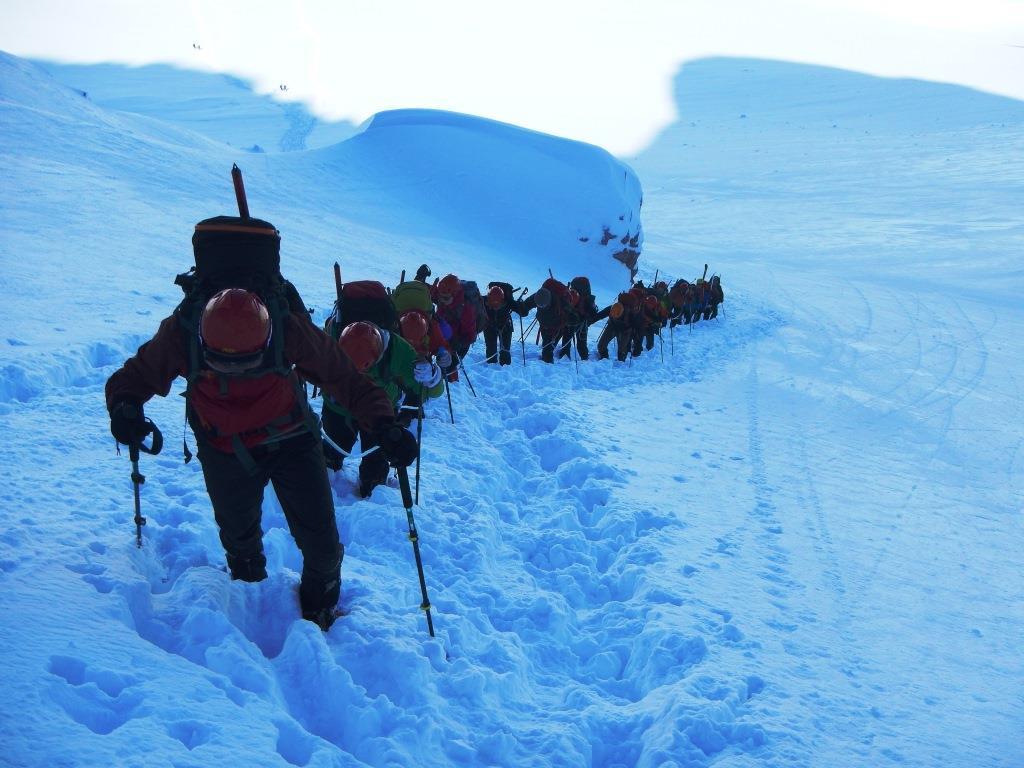 Ανάβαση στη κορυφή των Βαρδουσίων με τη σχολή ορειβασίας αρχαρίων, ΕΟΟΑ