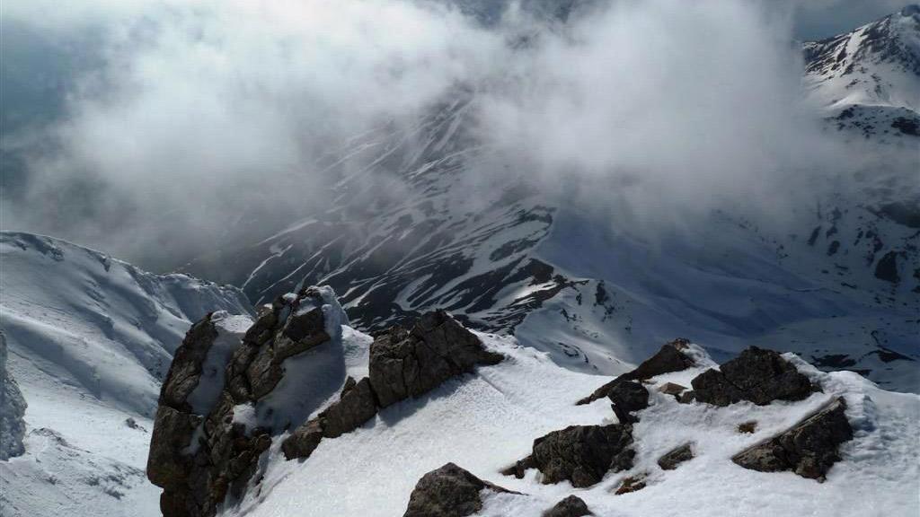Χιονισμένα βουνά περιμένουν να τα εξερευνήσετε