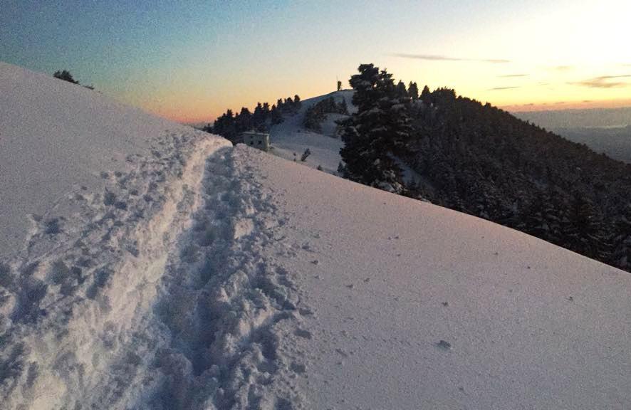 Χαράζοντας μονοπάτι στα χιόνια