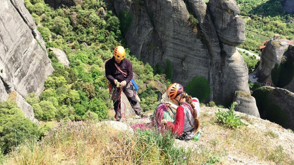 Αναρρίχηση βράχου μέσου επιπέδου