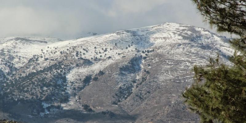 Χιονισμένη κορφή στη Κρήτη